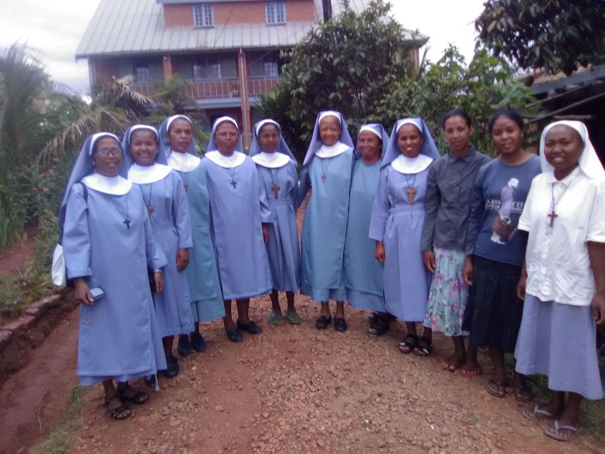 Fikambanan'ny Mpanompovavin I Jesoa Kristy (Society of the Servants of Jesus Christ)